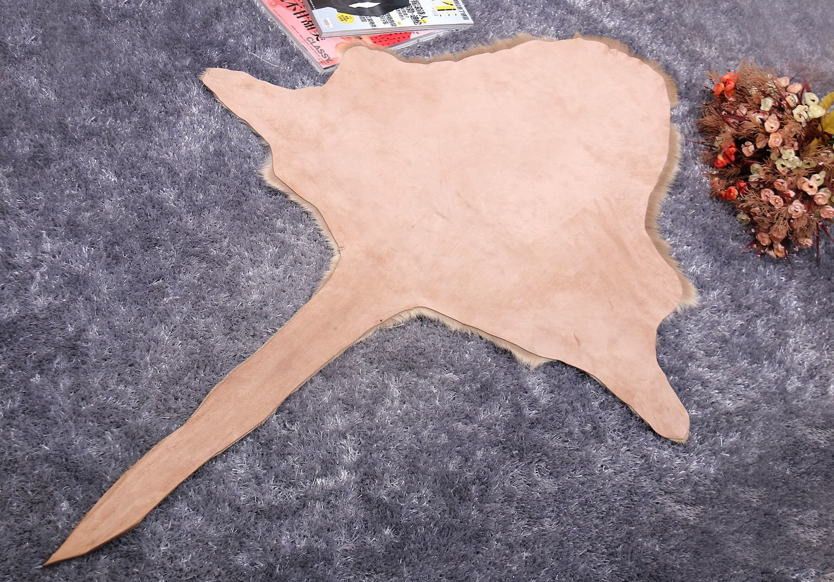 the rug of kangaroo skin is used as home decoration, carpet and gift